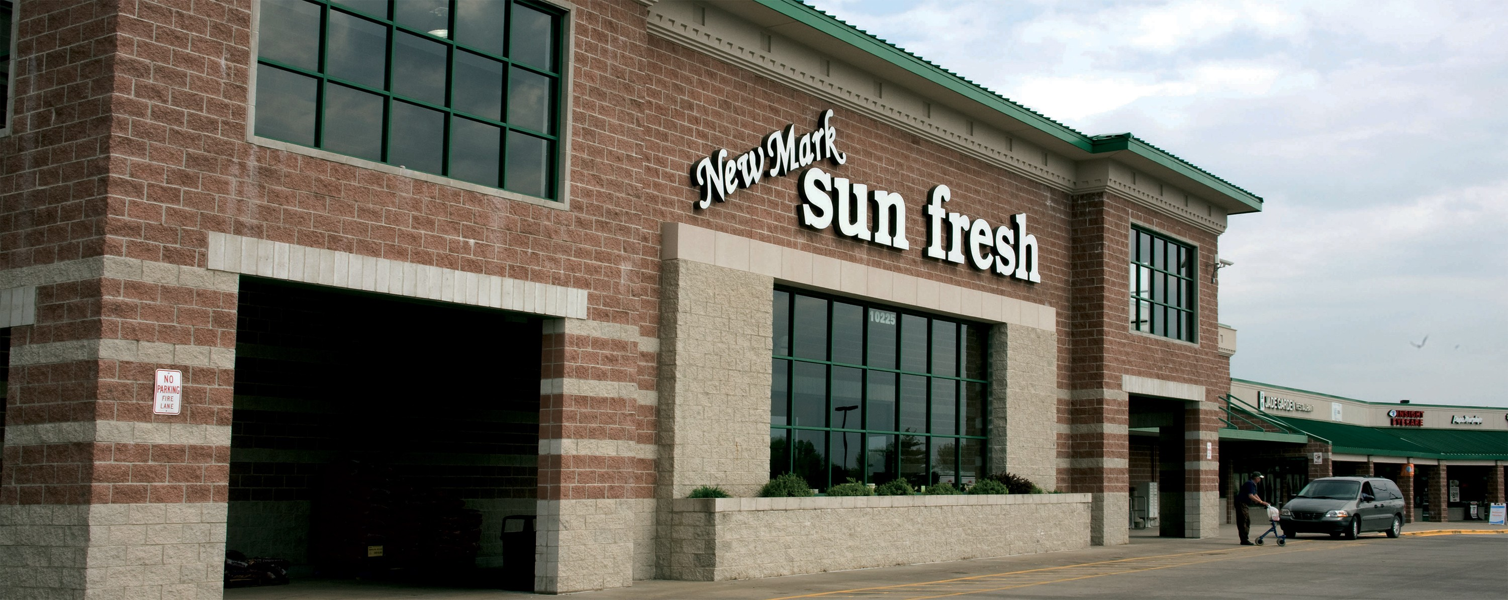New Mark Sun Fresh Market - 10225 N Oak Trafficway Kansas City, MO